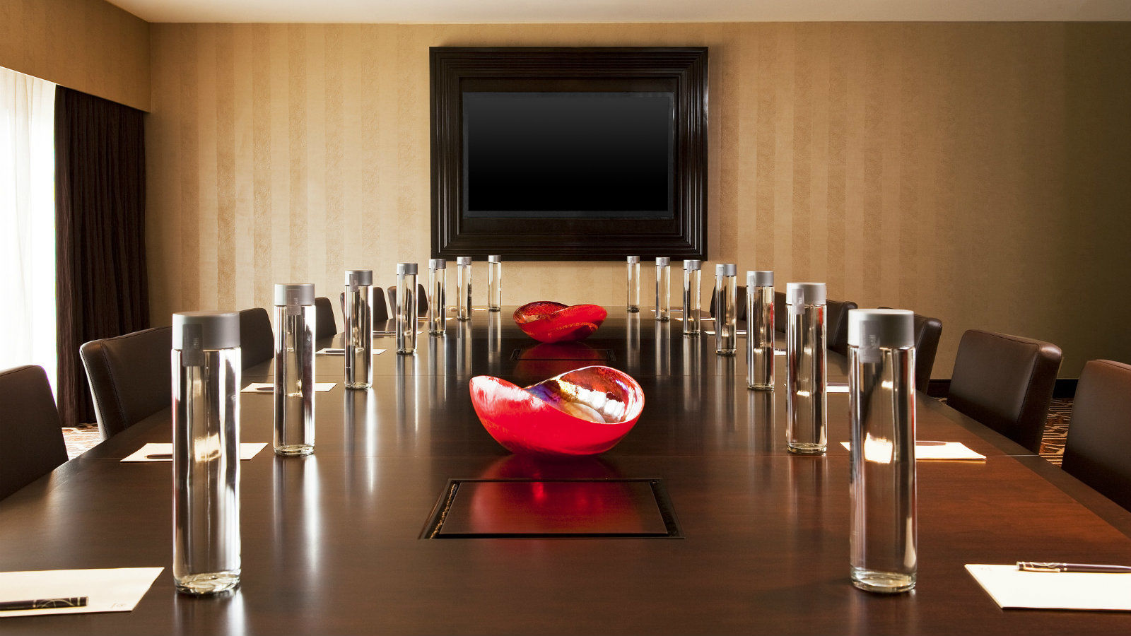 Meeting Rooms Tysons Corner | Premier Boardroom